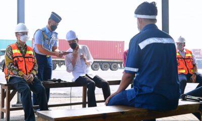 Jokowi Dicurhati Sopir Kontainer Soal Beringasnya Premanisme dan Pungli di Pelabuhan Tanjung Priok